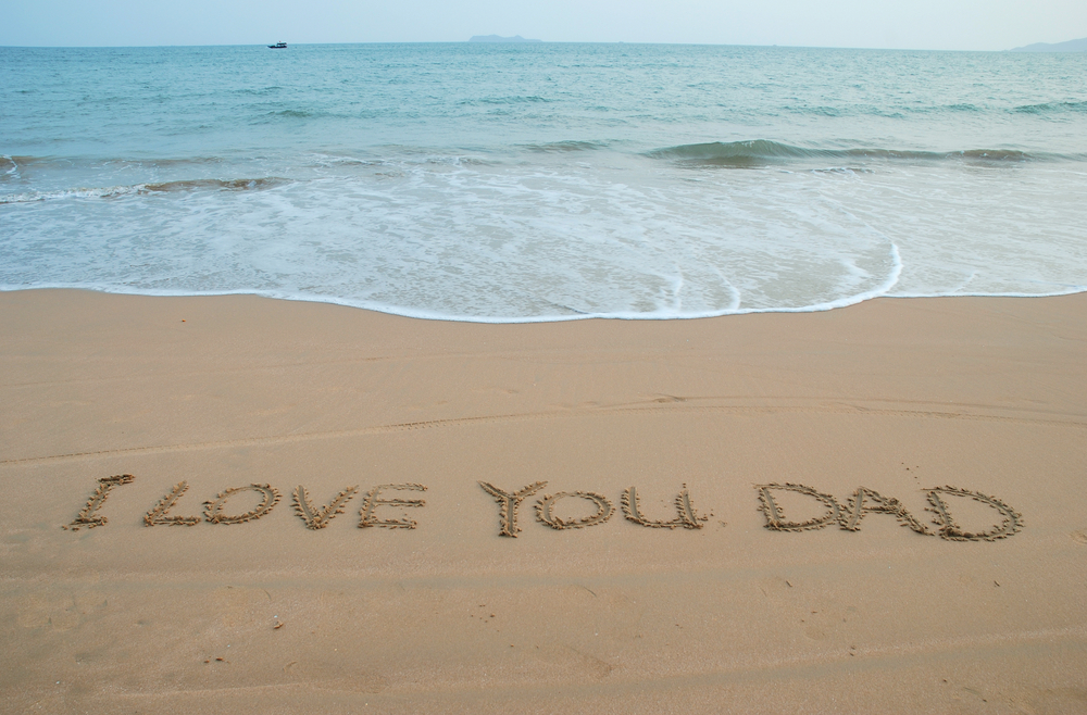 I_Love_You_Dad_In_The_Sand_Beach